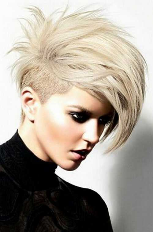 stylish-Pixie-undercut-with-gray-hair-color