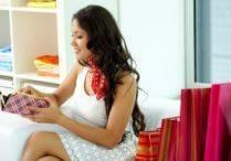 Hai la shopping: 4 modele trendy de portofele pentru sezonul cald 2014