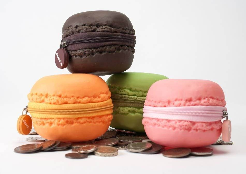 scented-macarons-coin-purse-3.950x670-adaptive