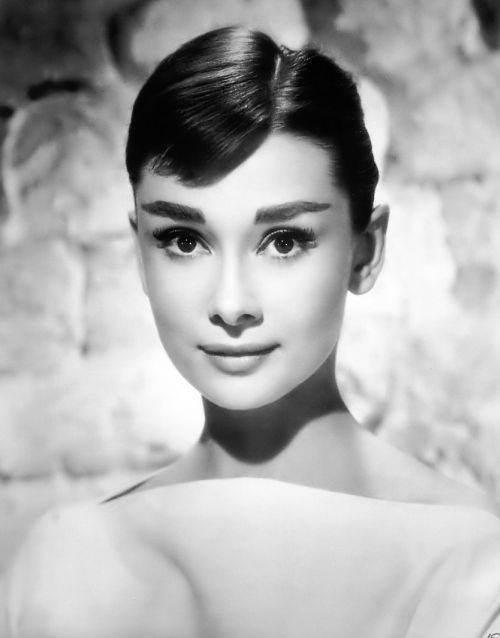 cele mai frumoase femei din istorie  Audrey Hepburn