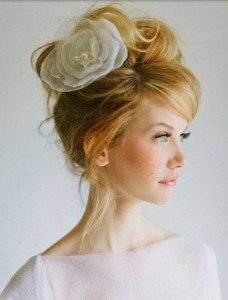 Coafuri de mireasa elegante