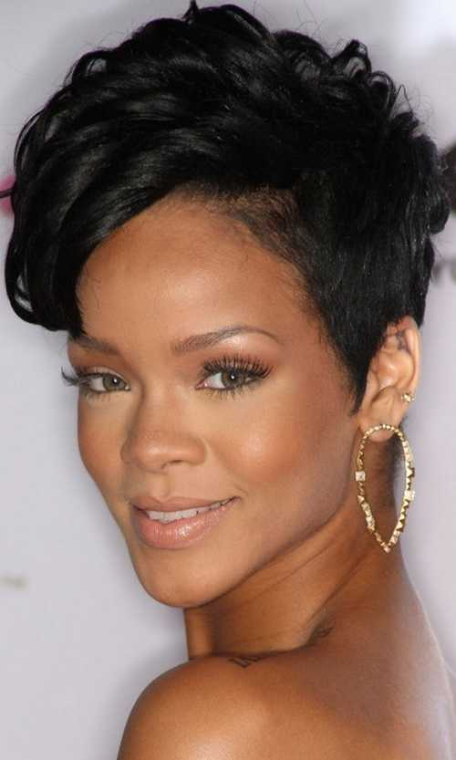 Rihanna-undercut-with-shaved-sides-short-haircuts