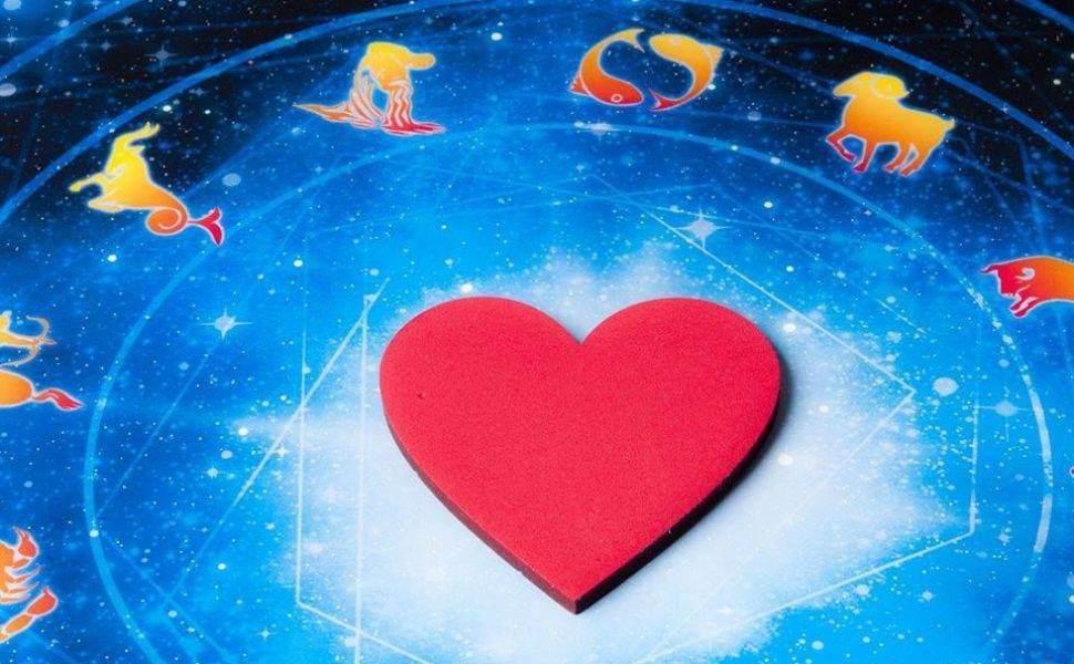 Joi, 4 MAI 2017: Sextilul Soarelui cu Neptun favorizează romantismul. Previziuni pentru toate zodiile