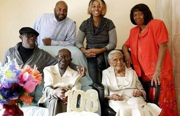 Secretul unei relatii lungi si fericite. Acest cuplu sarbatoreste 82 de ani de casnicie