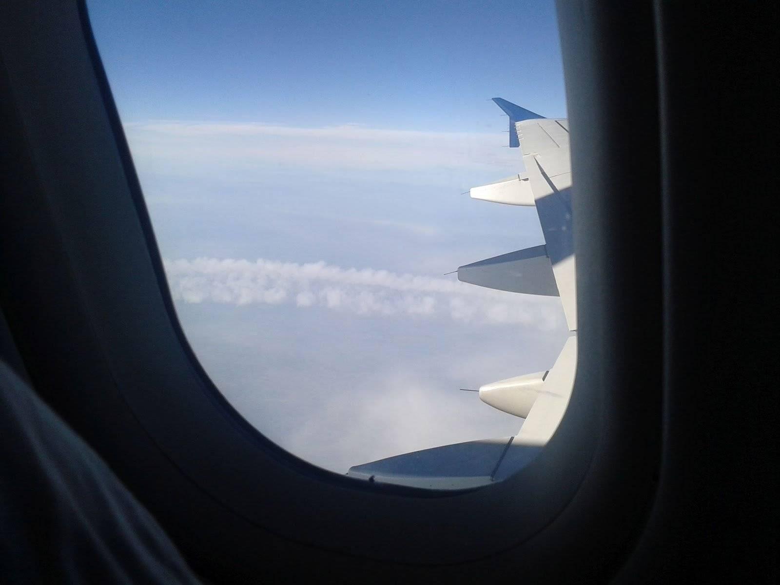 Iata motivul pentru care pilotii diminueaza luminile inainte de decolare
