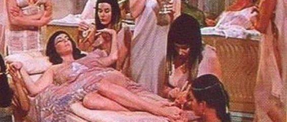Obiceiuri sexuale bizare! Cum reusea Regina Cleopatra sa faca amor cand barbatii erau plecati