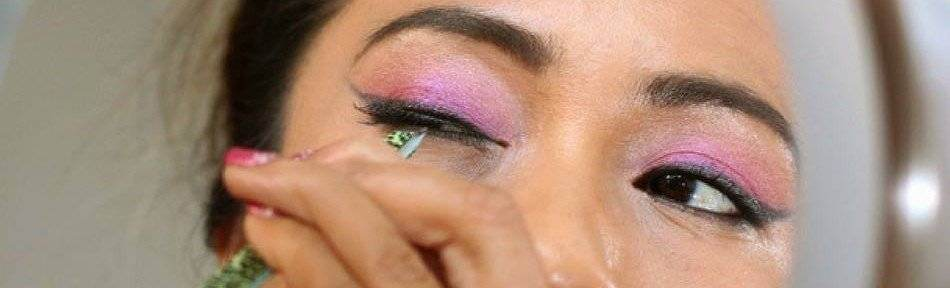 How-to-Apply-Fake-Eyelashes-Beginners-Guide