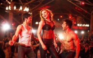 iulia-vantur-danseaza-ca-la-bollywood-vineri-de-la-16-00-la-ldquo-idoli-la-maruta-rdquo_size23