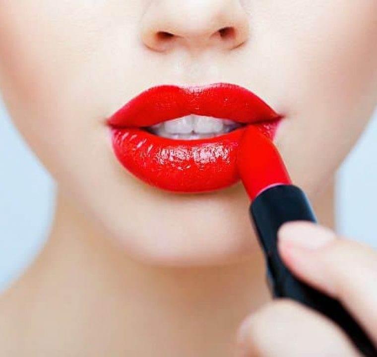 Tutorial de Make-up: Cum sa aplici perfect rujul rosu