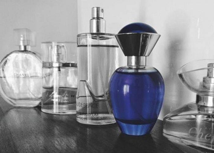 Acest ingredient scarbos ar putea fi ascuns in parfumul tau