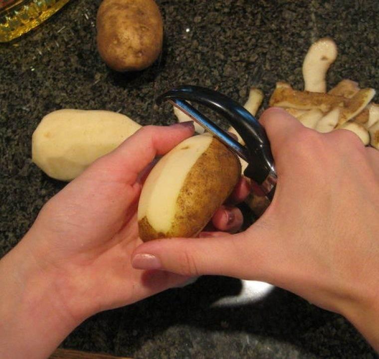 Cum se utilizeaza coaja de cartofi pentru albirea pielii si pentru un par stralucitor