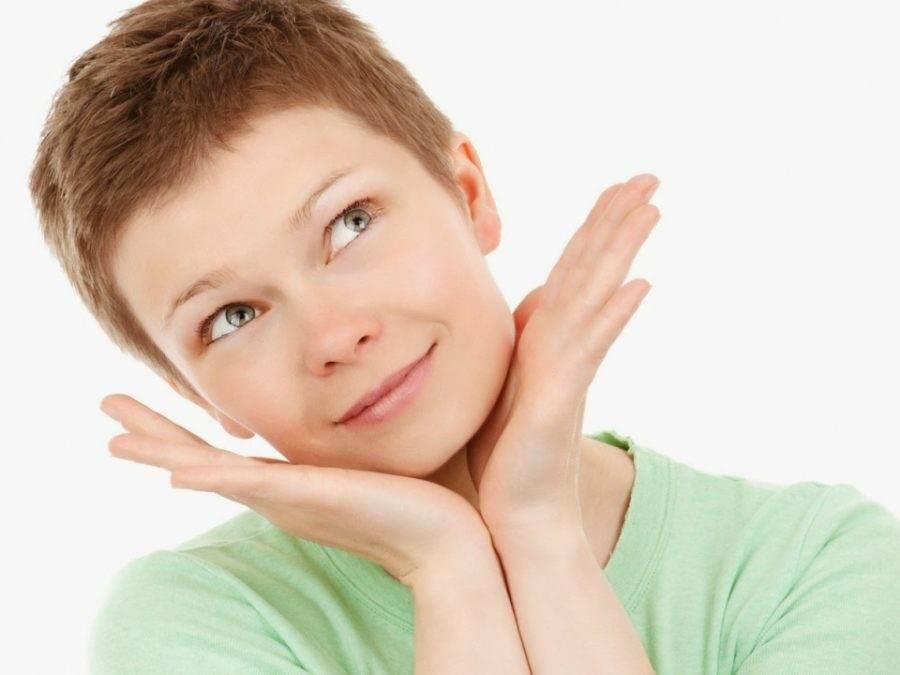 Cum sa iti prepari produse de curatare faciala acasa