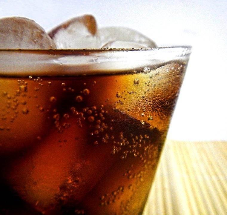 Ce ti se intampla daca bei sucuri acidulate zi de zi