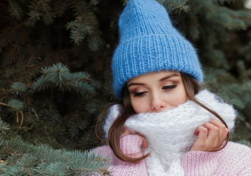 Sfaturi pentru ingrijirea parului in anotimpul rece! Ce trebuie sa faci ca sa-l pastrezi sanatos si stralucitor